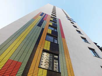 Оформление фасада 7 корпуса